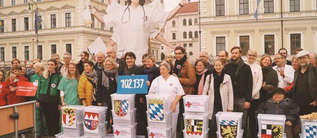 Mit über 100.000 Unterschriften gegen den Pflegenotstand